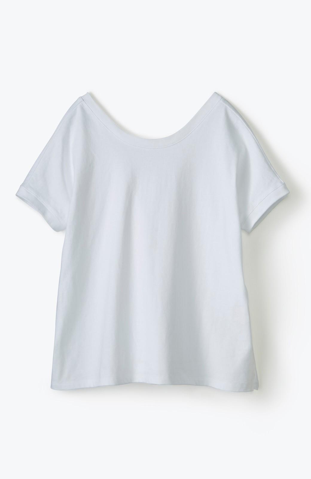 """haco! 胸まわり""""バイーン""""を解決!胸が大きいさんのためのベストシルエットTシャツ from チャームポイント敬愛企画 <ホワイト>の商品写真2"""