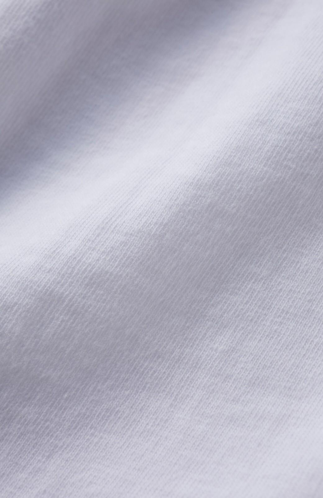 """haco! 胸まわり""""バイーン""""を解決!胸が大きいさんのためのベストシルエットTシャツ from チャームポイント敬愛企画 <ホワイト>の商品写真4"""