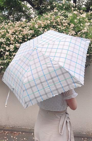 haco! 【再入荷】Wpc.<晴雨兼用>遮光チェックスカラップ折りたたみ日傘 <オフホワイト>の商品写真
