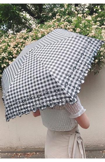 haco! Wpc.<晴雨兼用>遮光ギンガムチェックフラワー刺繍折りたたみ日傘 <ブラック>の商品写真