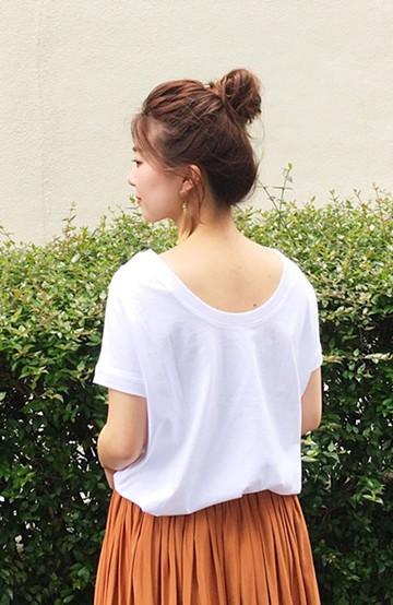 """haco! 胸まわり""""バイーン""""を解決!胸が大きいさんのためのベストシルエットTシャツ from チャームポイント敬愛企画 <ホワイト>の商品写真"""