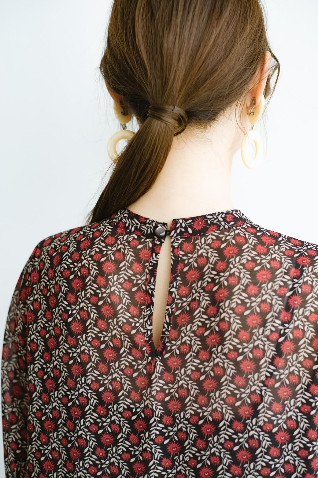 haco! パッと着るだけで映える 柄がかわいいティアードワンピース <ブラック×レッド>の商品写真6