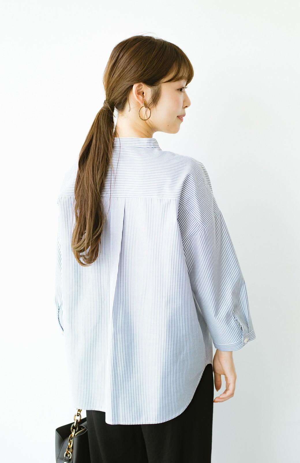 haco! 【あまる肩幅党】肩幅広めがなんのその! きちんと見えて肩まわりゆったりの定番スタンドカラーシャツ <ストライプ>の商品写真18
