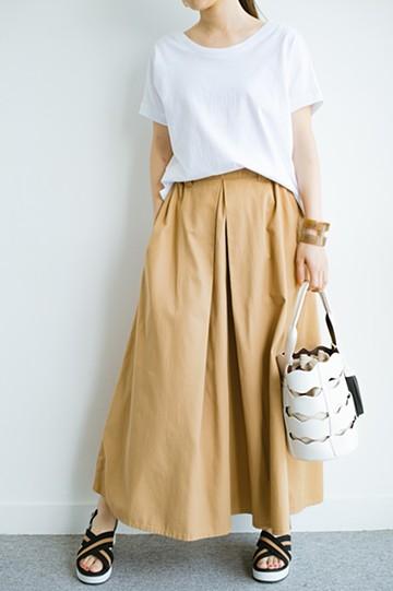 haco! 【今年も再販!】ロングシーズン楽しめる タックボリュームのチノロングスカート <ベージュ>の商品写真