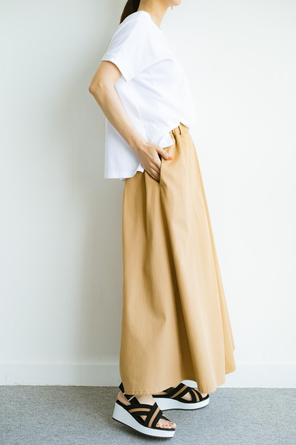 haco! 【今年も再販!】ロングシーズン楽しめる タックボリュームのチノロングスカート <ベージュ>の商品写真13
