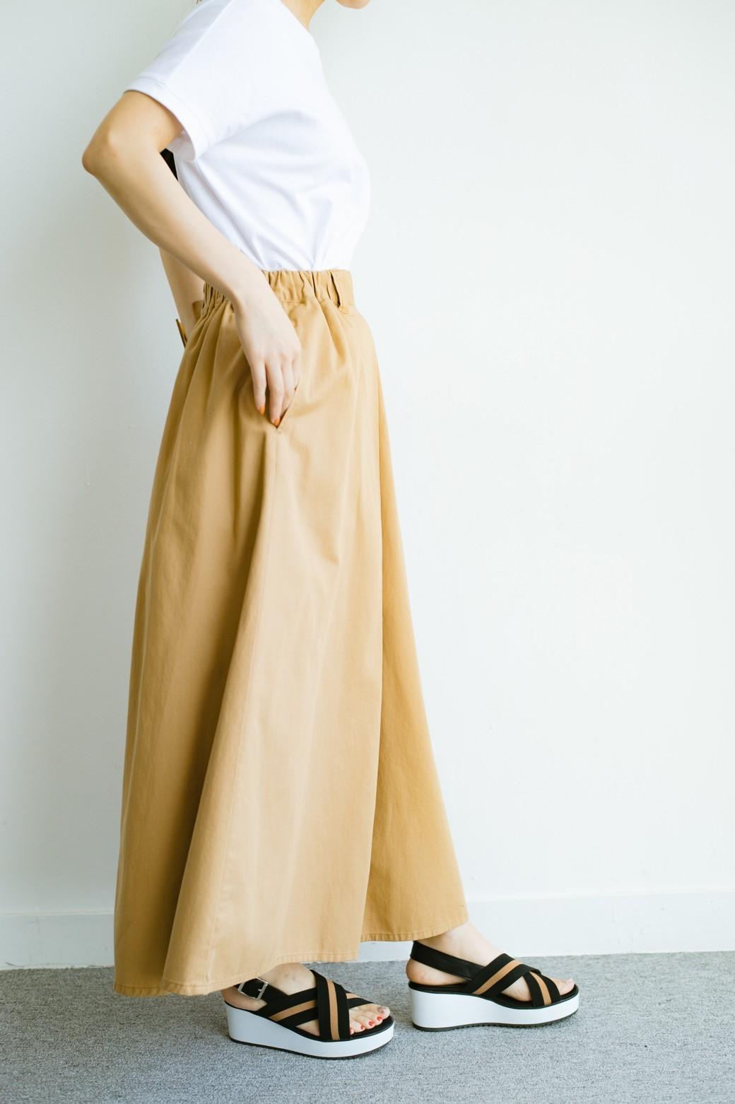 haco! 【今年も再販!】ロングシーズン楽しめる タックボリュームのチノロングスカート <ベージュ>の商品写真10
