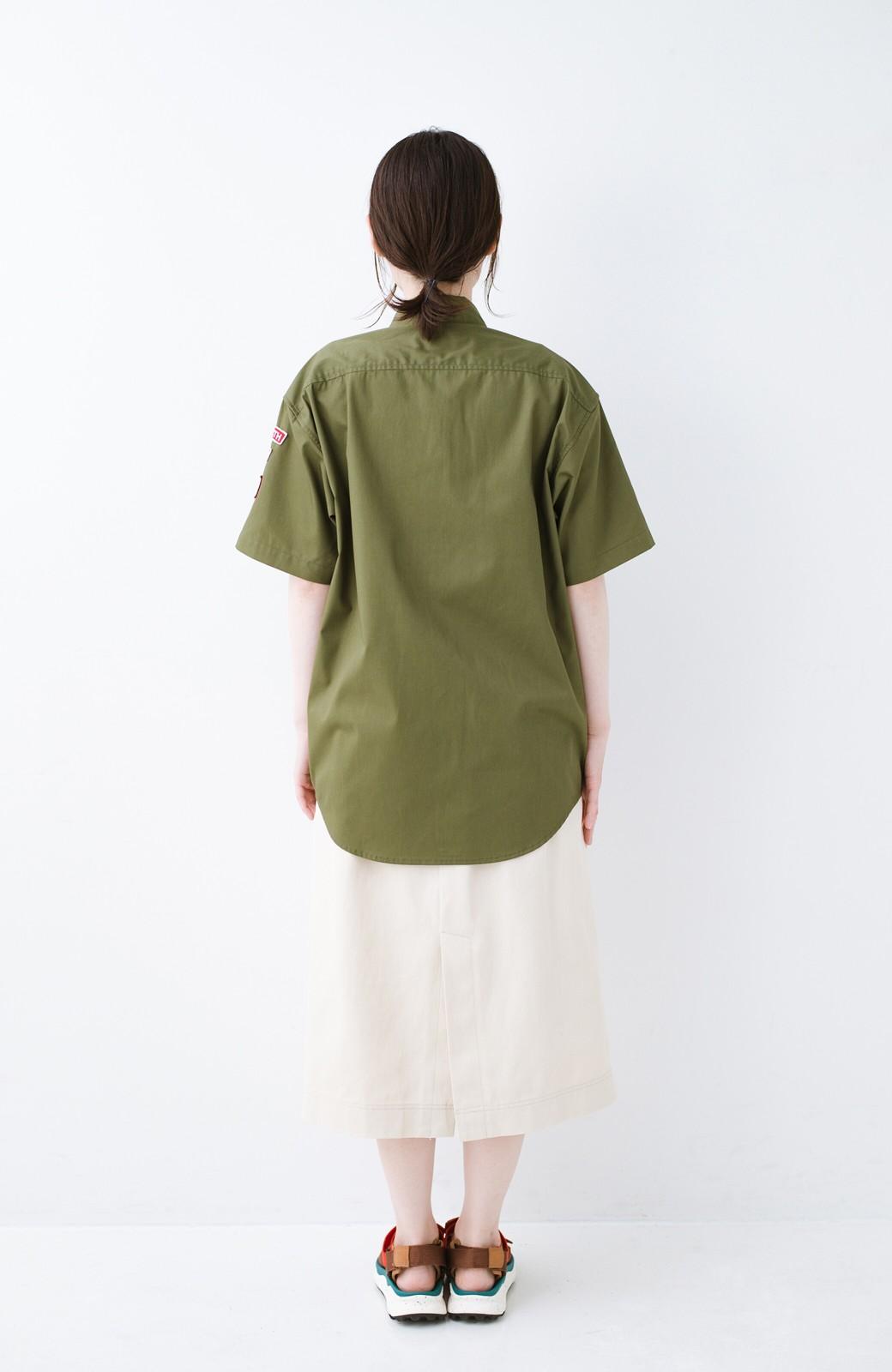 haco! Dickies TCツイルワッペン付きルーズフィット半袖ワークシャツ <オリーブ>の商品写真8