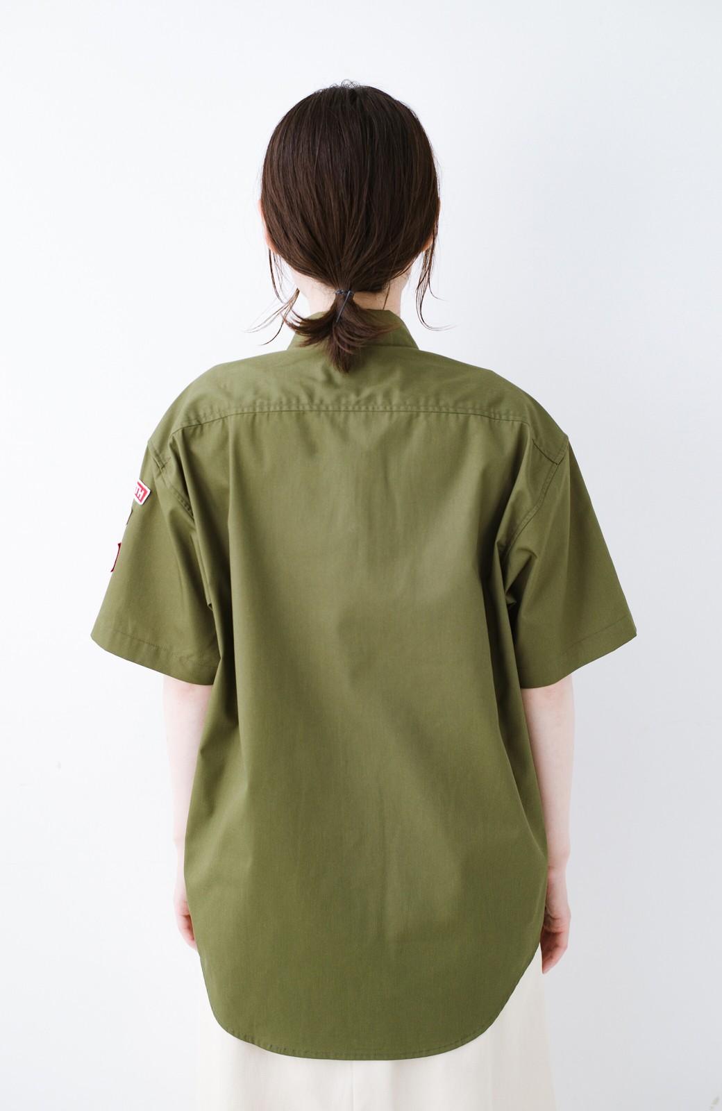 haco! Dickies TCツイルワッペン付きルーズフィット半袖ワークシャツ <オリーブ>の商品写真11