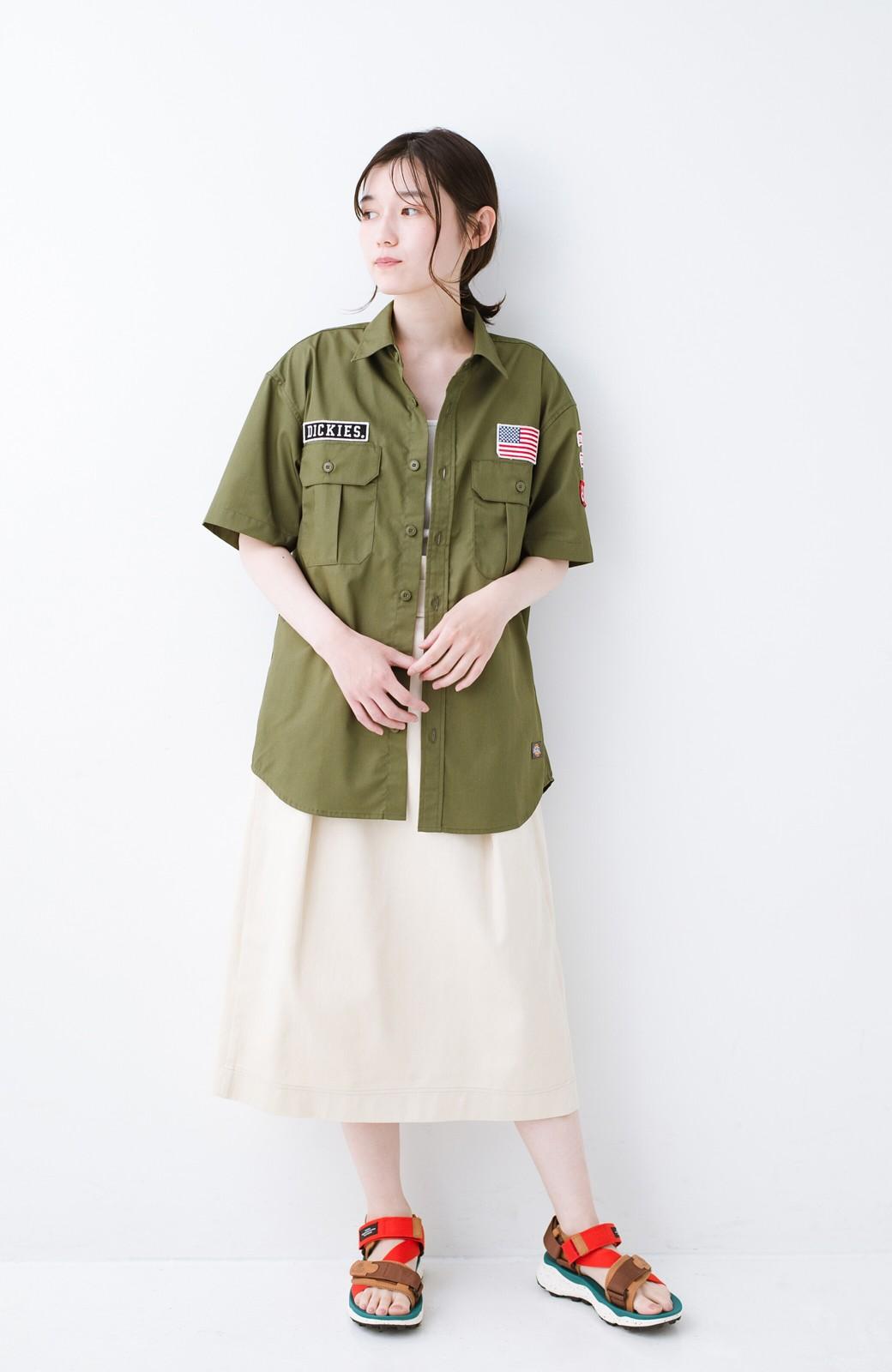 haco! Dickies TCツイルワッペン付きルーズフィット半袖ワークシャツ <オリーブ>の商品写真6