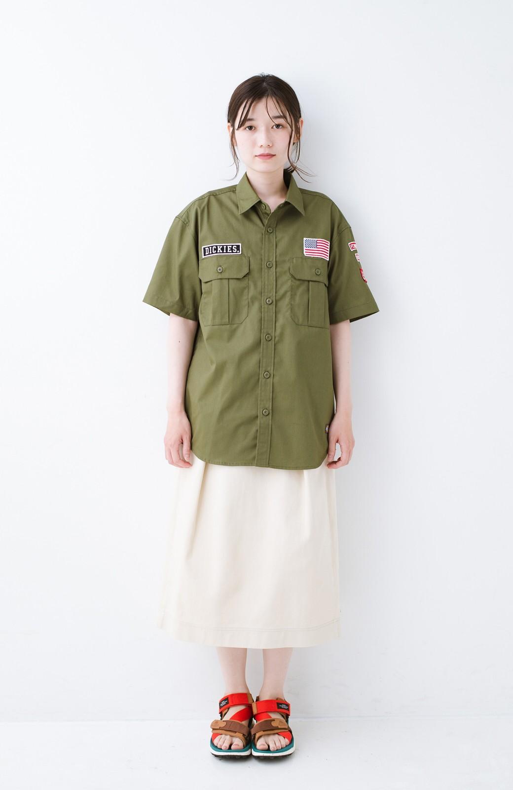 haco! Dickies TCツイルワッペン付きルーズフィット半袖ワークシャツ <オリーブ>の商品写真7