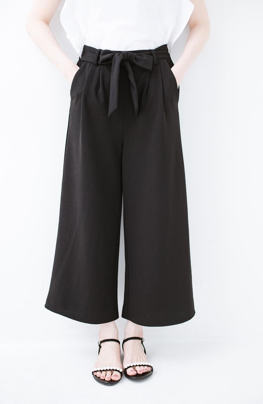 haco! きれいに見えて実は動きやすい!とにかく便利な短め丈パンツ by Nohea <ブラック>の商品写真15