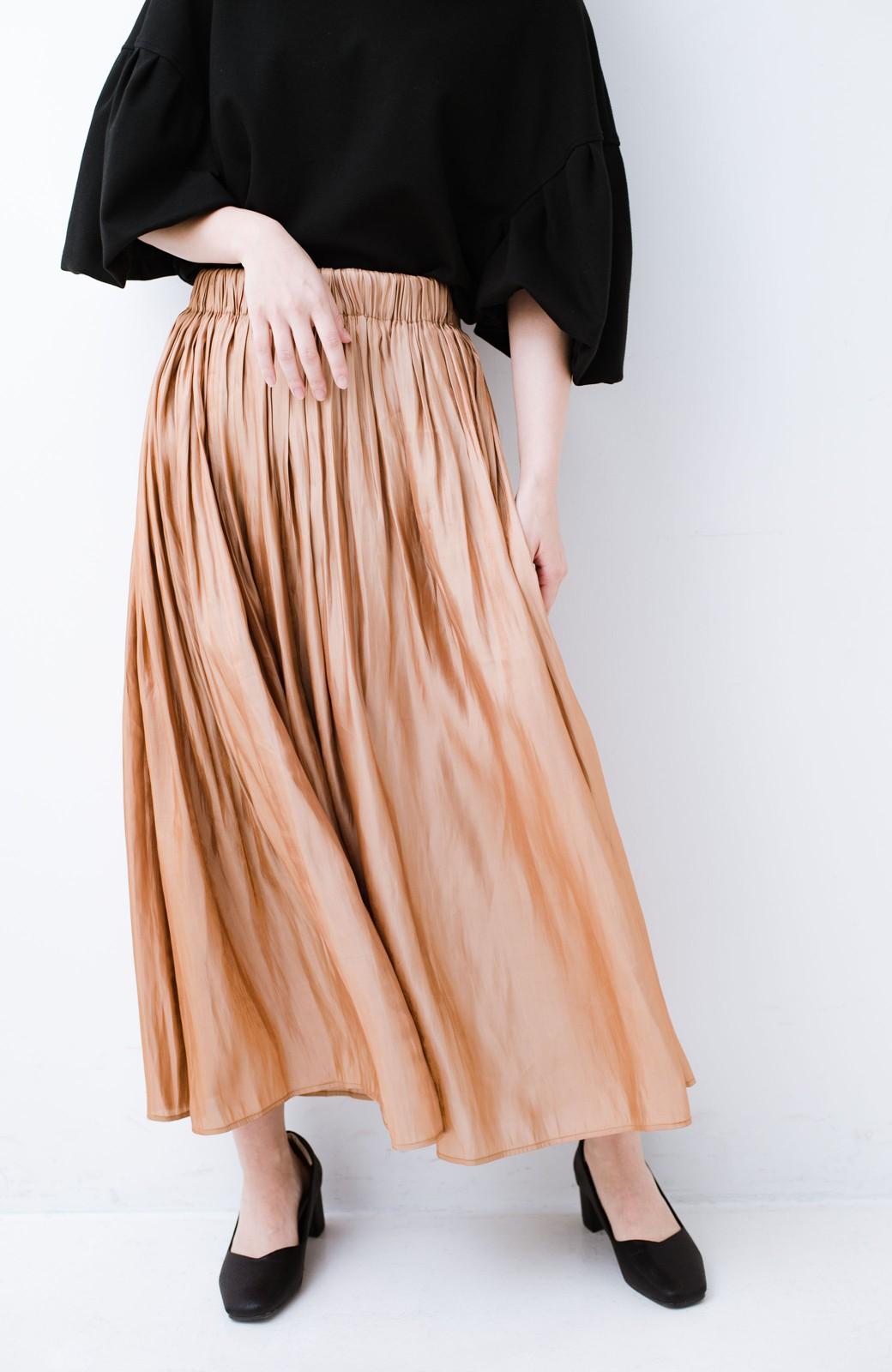 haco! 1枚でも重ね着にも便利なキラキラ素材がかわいいロングスカート by laulea <ライトブラウン>の商品写真2
