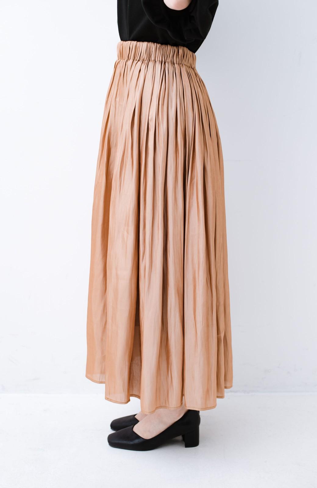 haco! 1枚でも重ね着にも便利なキラキラ素材がかわいいロングスカート by laulea <ライトブラウン>の商品写真4