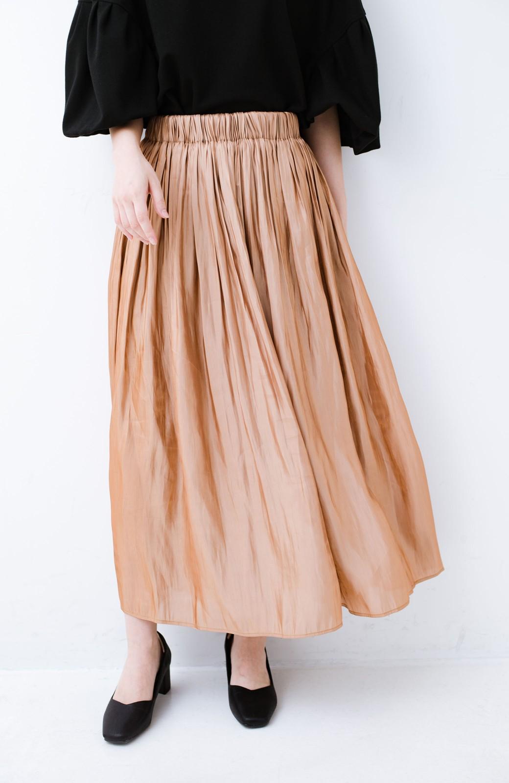 haco! 1枚でも重ね着にも便利なキラキラ素材がかわいいロングスカート by laulea <ライトブラウン>の商品写真1