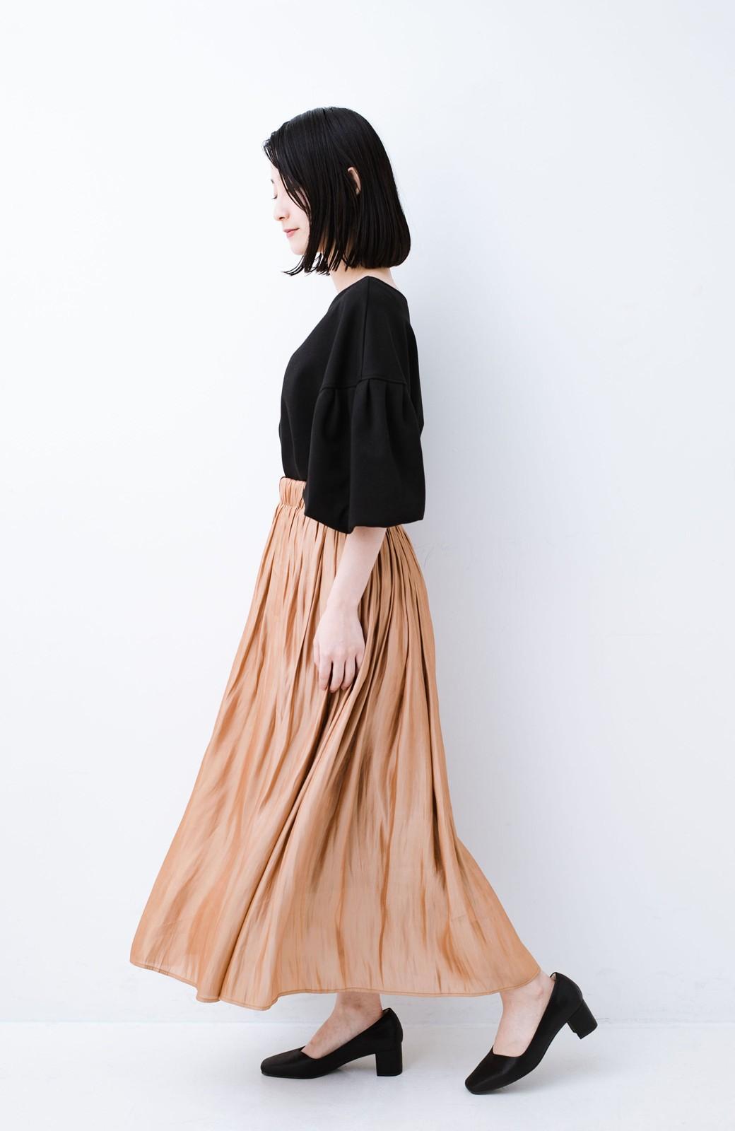 haco! 1枚でも重ね着にも便利なキラキラ素材がかわいいロングスカート by laulea <ライトブラウン>の商品写真11