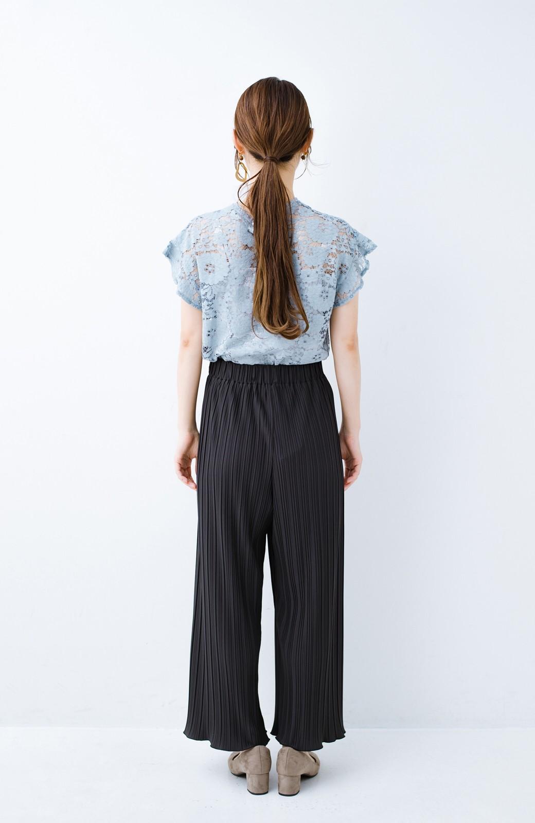 haco! パンツ派さんのデートにもカジュアル派さんの重ね着にも便利なプリーツパンツ  <チャコールグレー>の商品写真19