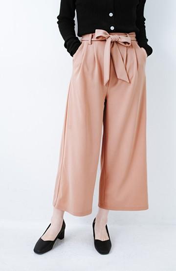 haco! きれいに見えて実は動きやすい!とにかく便利な短め丈パンツ by Nohea <ピンクベージュ>の商品写真