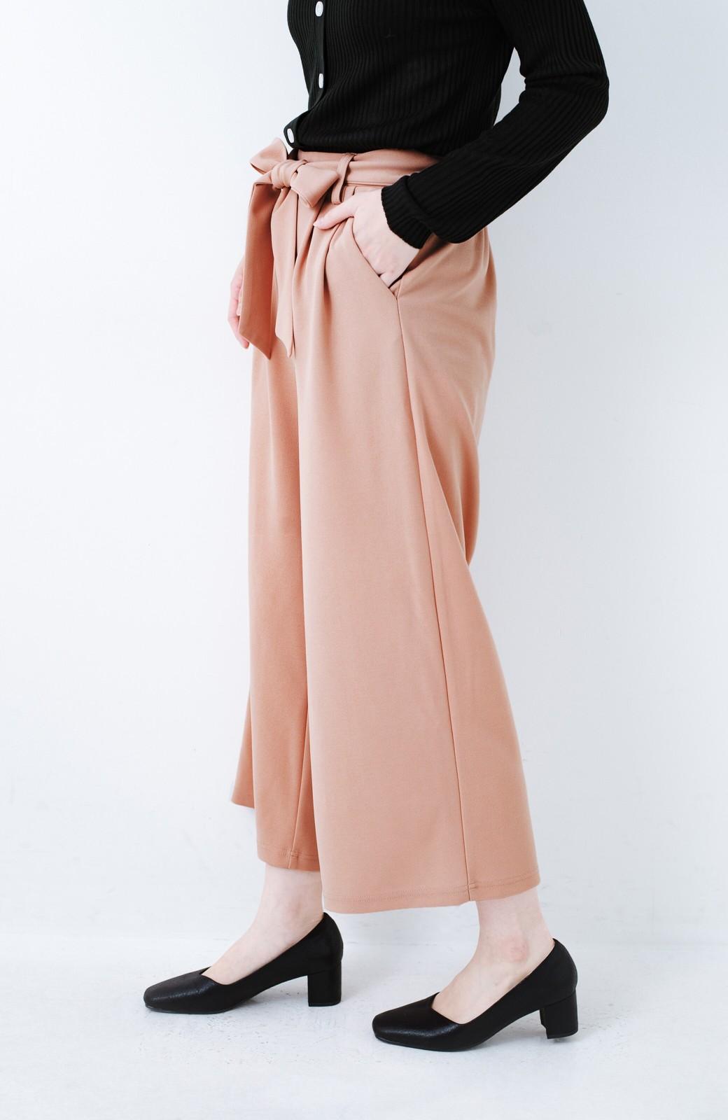 haco! きれいに見えて実は動きやすい!とにかく便利な短め丈パンツ by Nohea <ピンクベージュ>の商品写真5