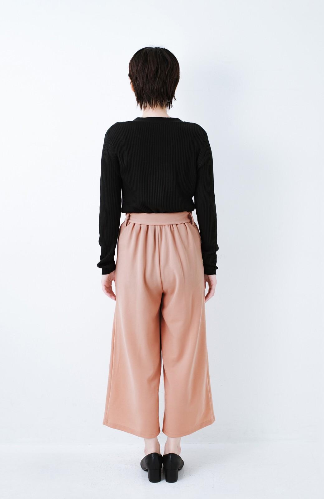 haco! きれいに見えて実は動きやすい!とにかく便利な短め丈パンツ by Nohea <ピンクベージュ>の商品写真10