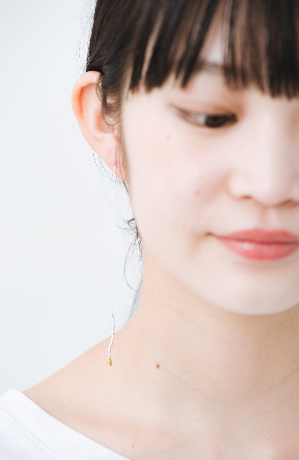 haco! 繊細な仕上がりが女性らしさを際立たせるチェーン&ビーズピアスplala by ciika  <ゴールド>の商品写真4