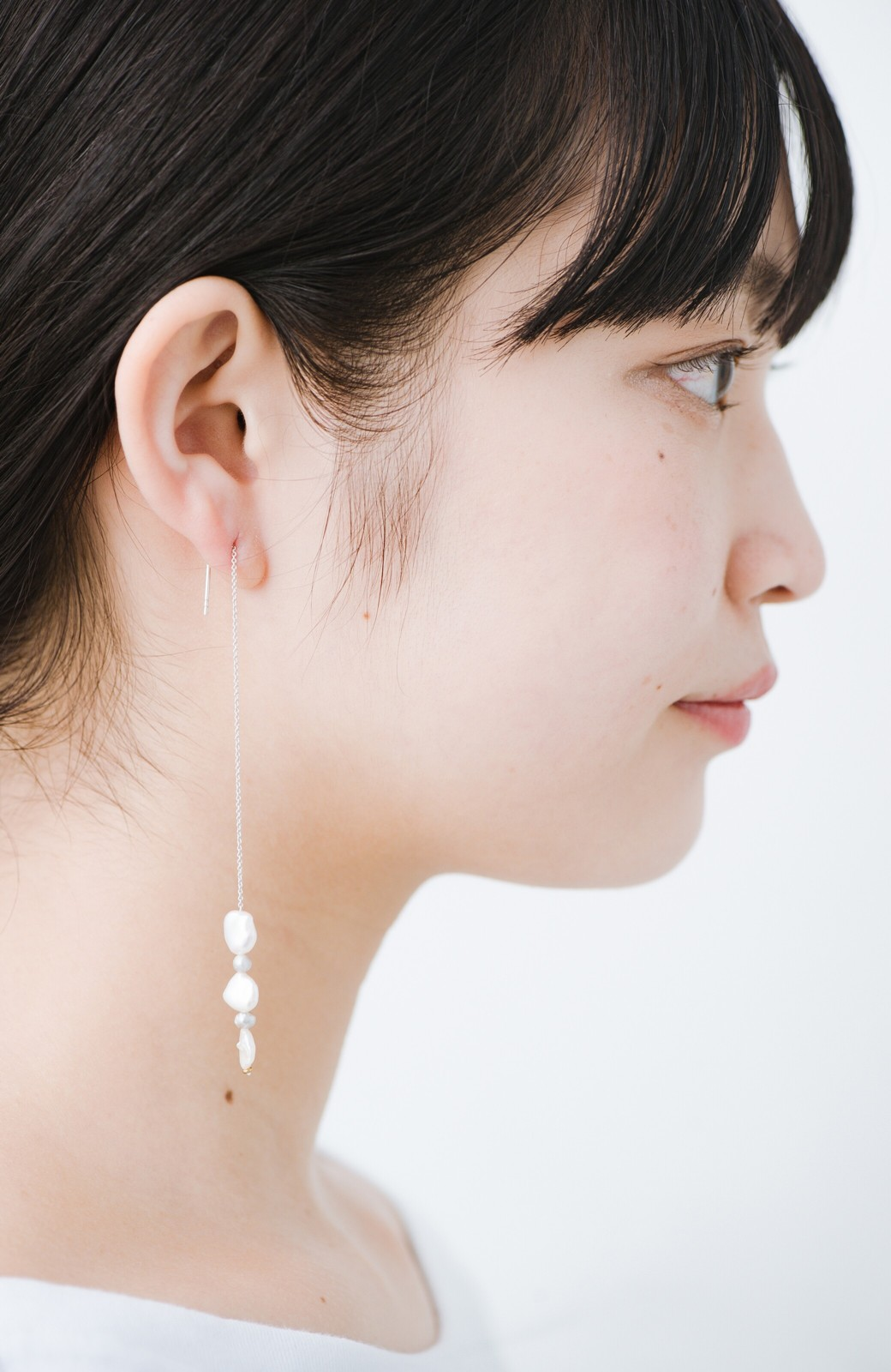haco! 連なるチェーン&淡水パールがきれいなピアス ines by ciika <グレー>の商品写真4