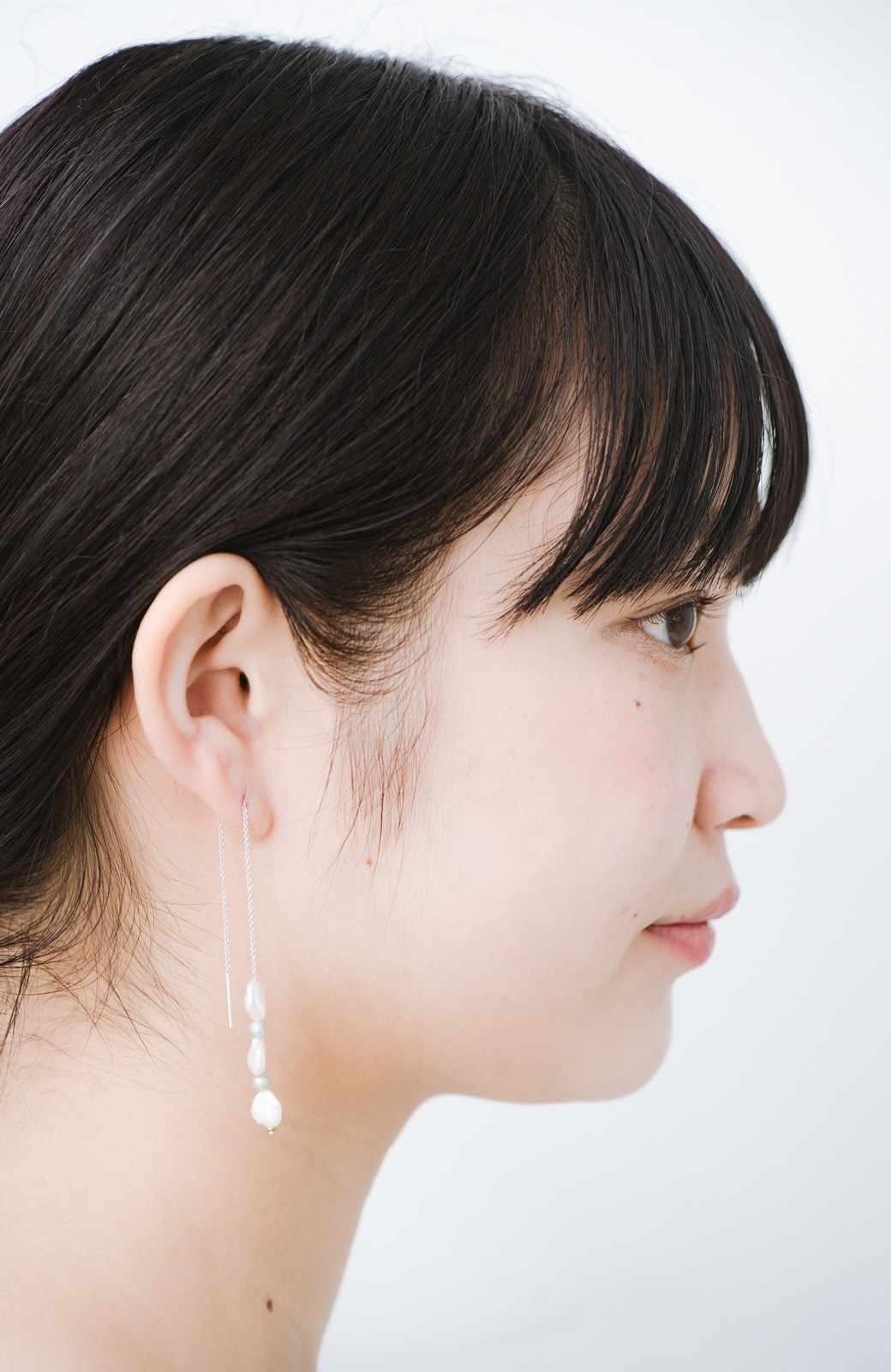 haco! 連なるチェーン&淡水パールがきれいなピアス ines by ciika <グレー>の商品写真6