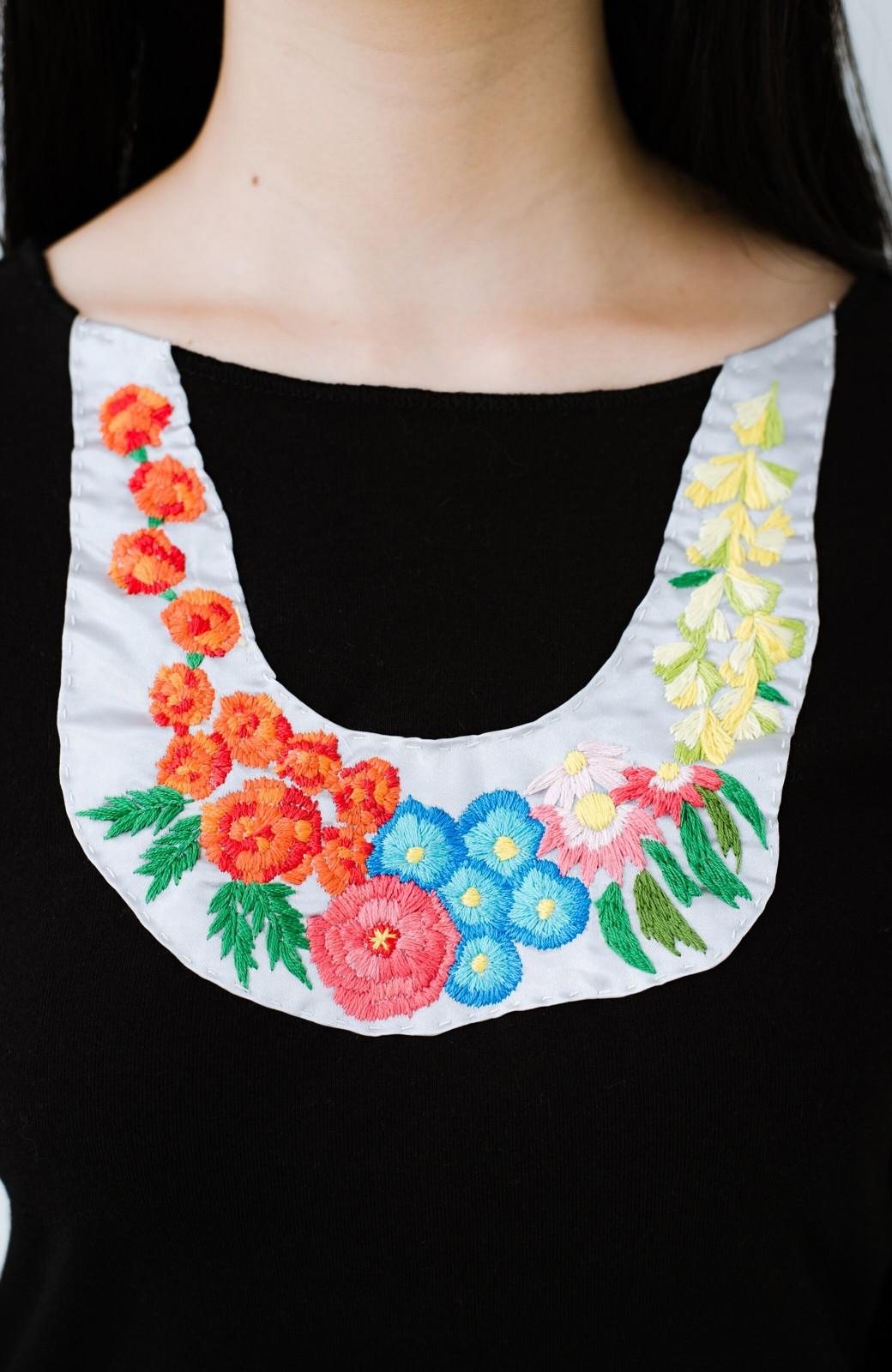 haco! Stitch by Stitch(flower)オーガニックコットンの袖フリルトップス  <ブラック>の商品写真2