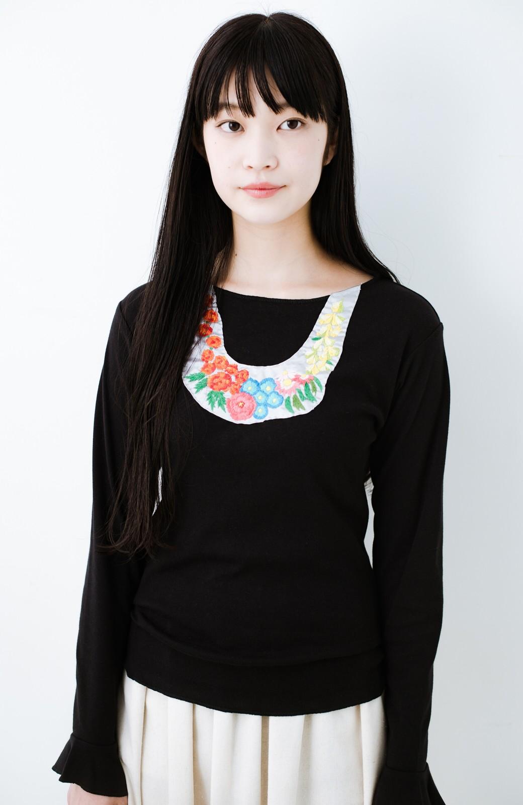 haco! Stitch by Stitch(flower)オーガニックコットンの袖フリルトップス  <ブラック>の商品写真1