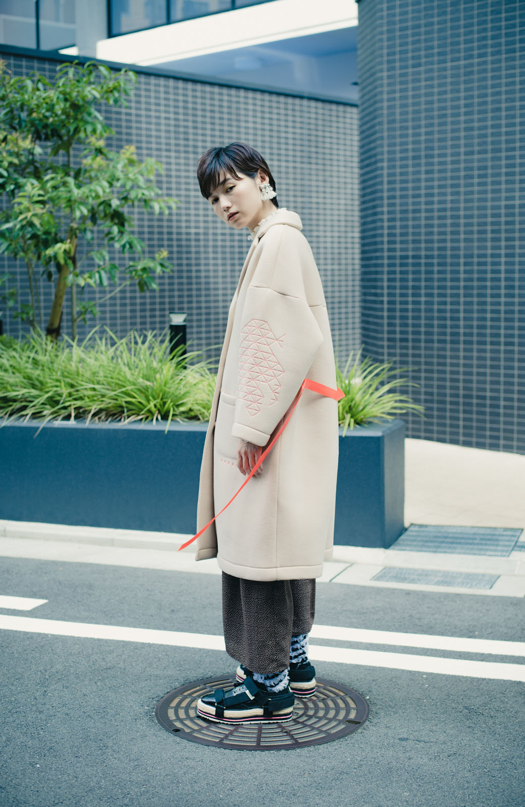 haco! haco! × RBTXCOネオンカラーで気分もUP!DOGUU(土偶)刺繍と蛍光リボンのボンディングコート <ベージュ>の商品写真13