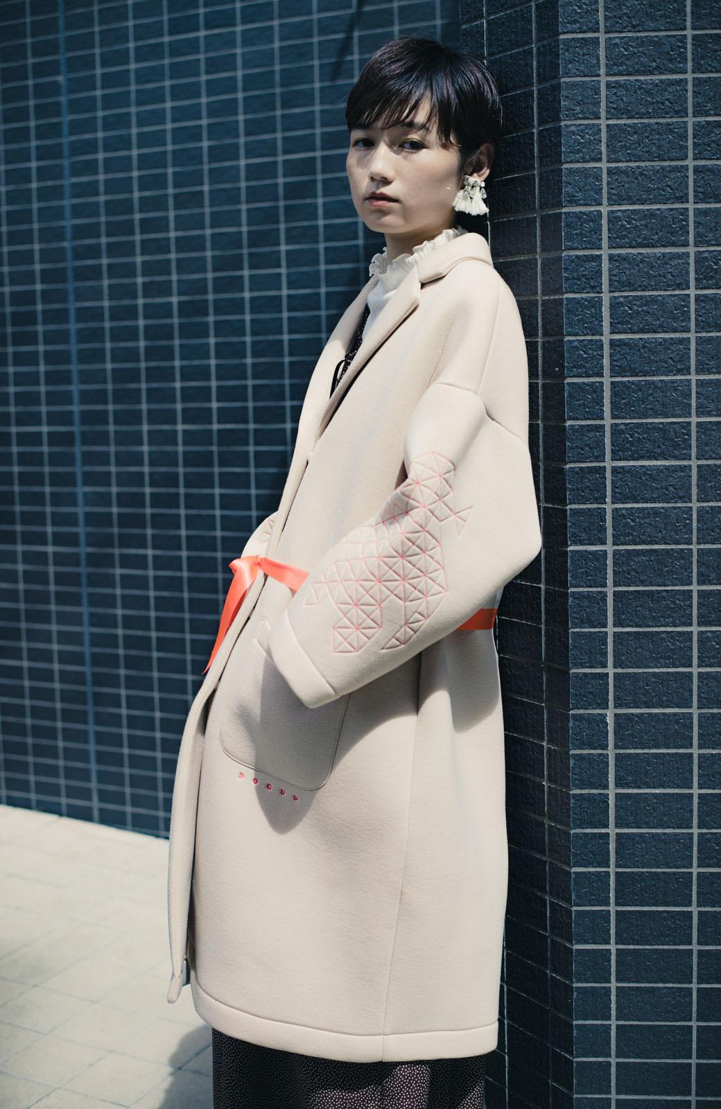 haco! haco! × RBTXCOネオンカラーで気分もUP!DOGUU(土偶)刺繍と蛍光リボンのボンディングコート <ベージュ>の商品写真9