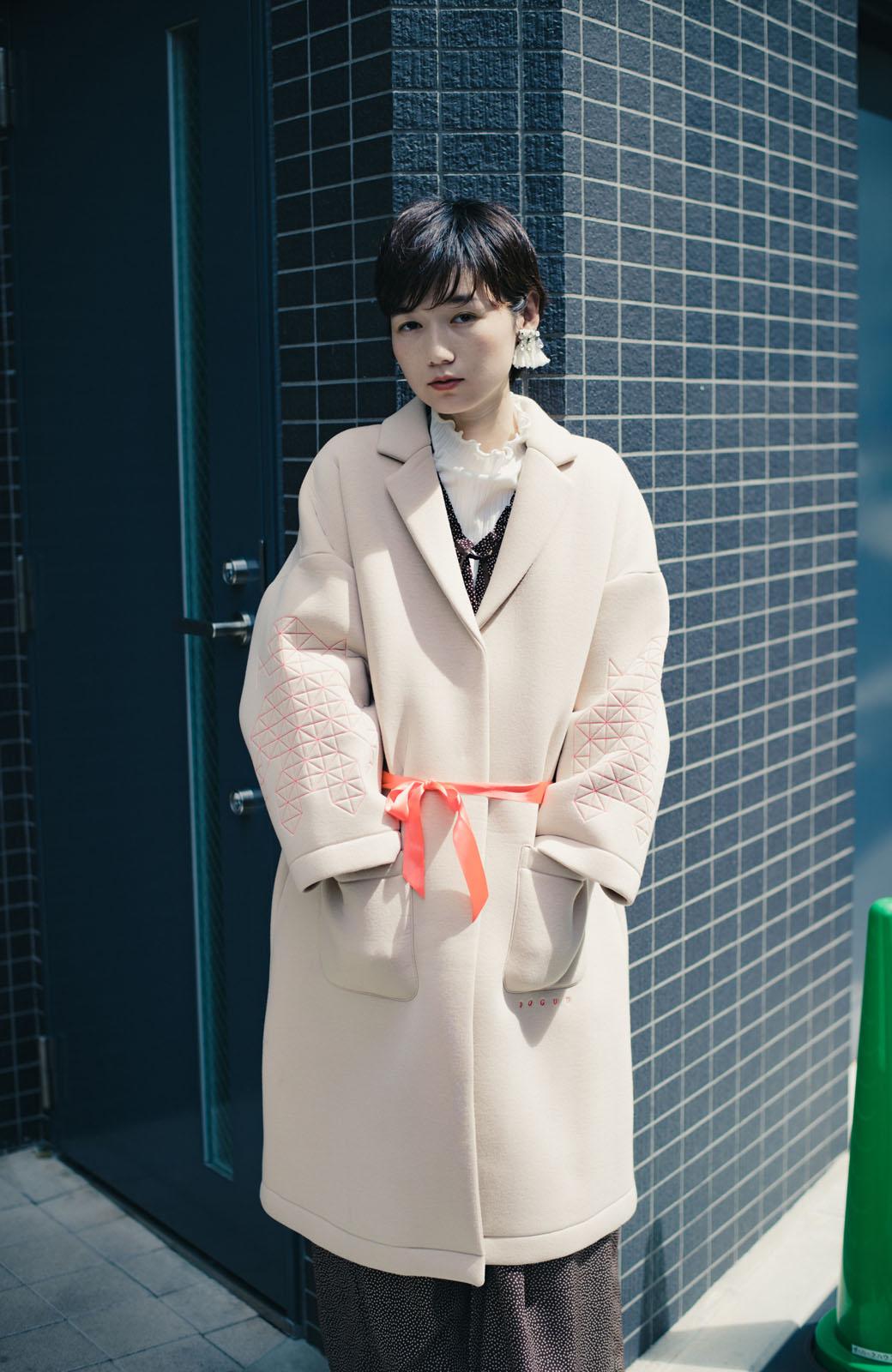 haco! haco! × RBTXCOネオンカラーで気分もUP!DOGUU(土偶)刺繍と蛍光リボンのボンディングコート <ベージュ>の商品写真10