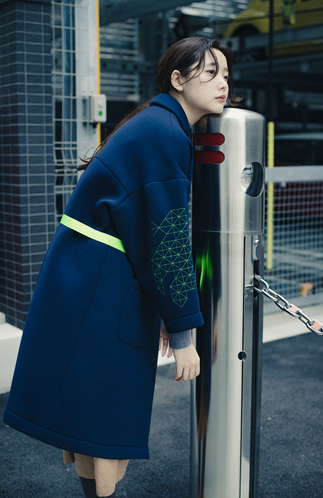 haco! haco! × RBTXCOネオンカラーで気分もUP!DOGUU(土偶)刺繍と蛍光リボンのボンディングコート <ネイビー>の商品写真13