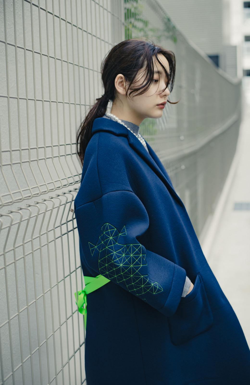 haco! haco! × RBTXCOネオンカラーで気分もUP!DOGUU(土偶)刺繍と蛍光リボンのボンディングコート <ネイビー>の商品写真14