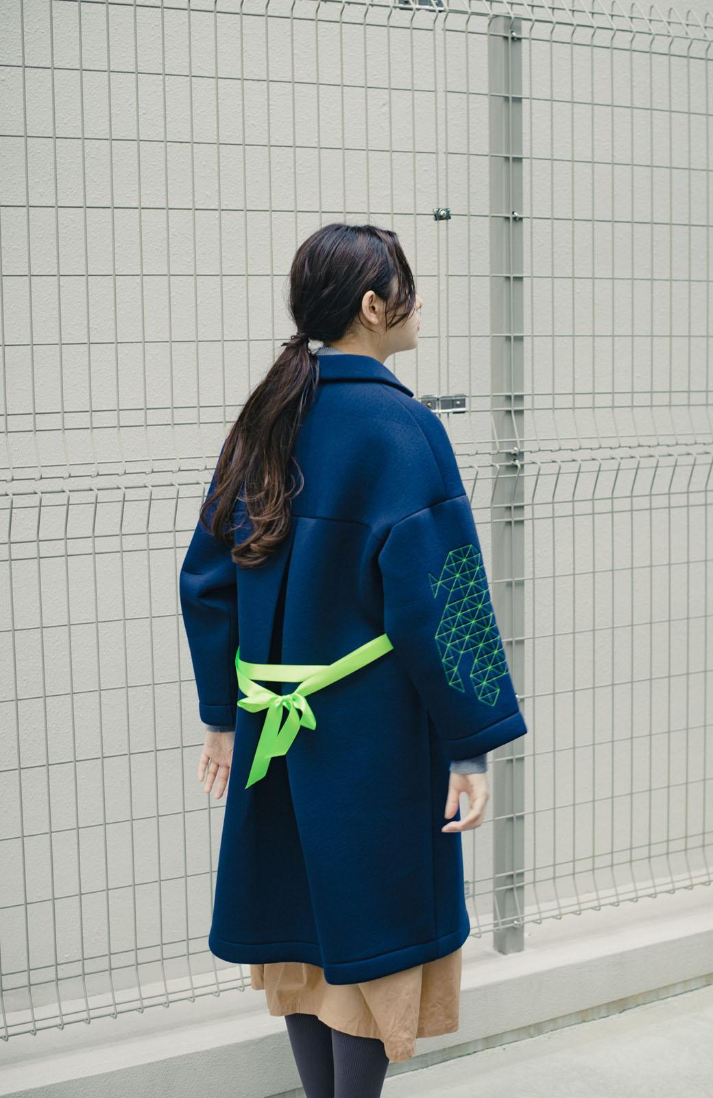 haco! haco! × RBTXCOネオンカラーで気分もUP!DOGUU(土偶)刺繍と蛍光リボンのボンディングコート <ネイビー>の商品写真16