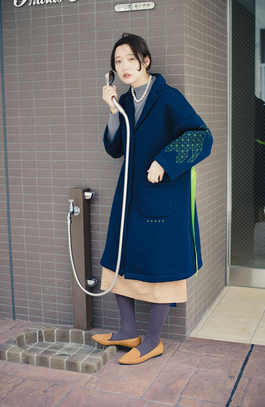 haco! haco! × RBTXCOネオンカラーで気分もUP!DOGUU(土偶)刺繍と蛍光リボンのボンディングコート <ネイビー>の商品写真1