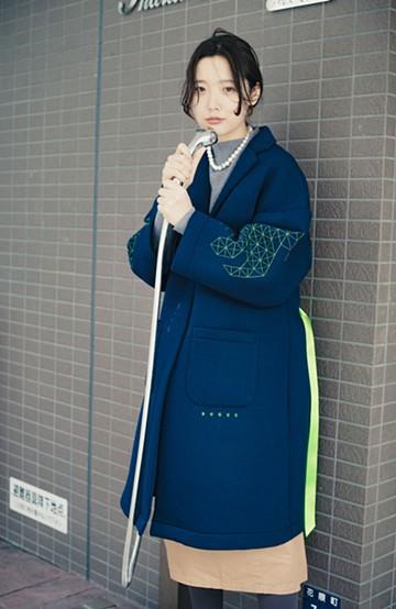 haco! haco! × RBTXCOネオンカラーで気分もUP!DOGUU(土偶)刺繍と蛍光リボンのボンディングコート <ネイビー>の商品写真