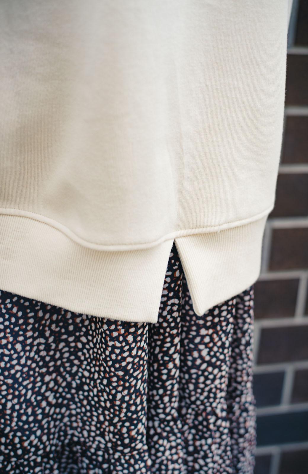 haco! haco! × RBTXCO何色がお好き?プードルちゃんのぷくぷく刺繍ワッペン付きスウェットプルオーバー <オフホワイト>の商品写真12