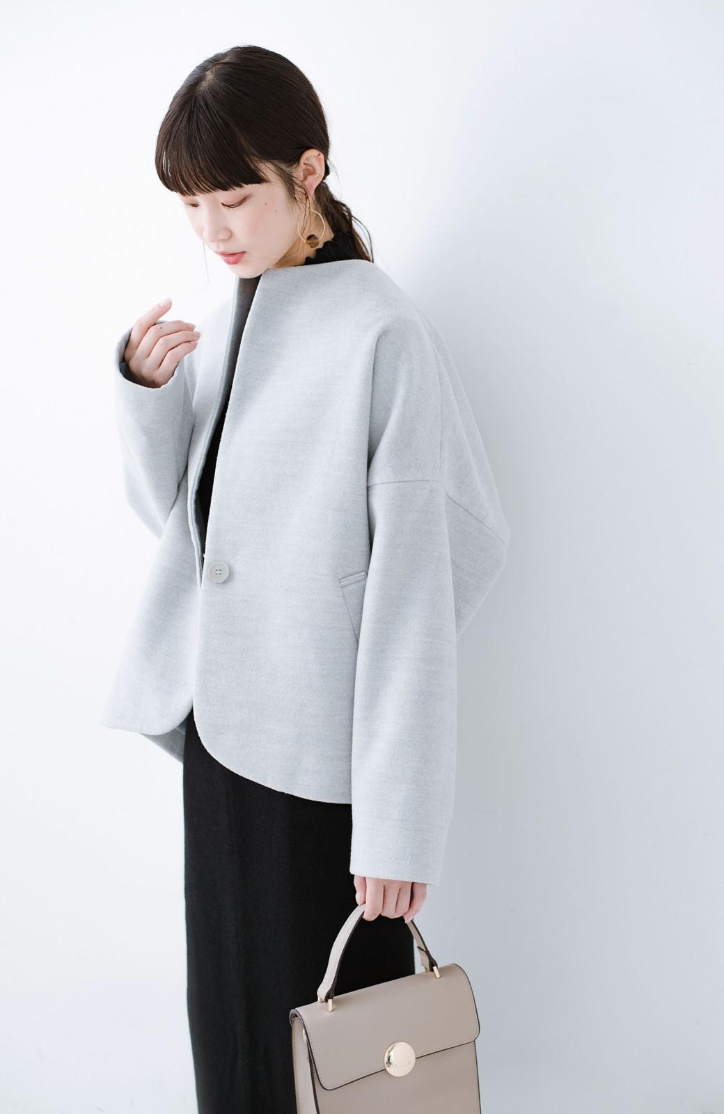 haco! インにどんなニットも着られるゆるシルエットのショート丈コート <グレー>の商品写真9