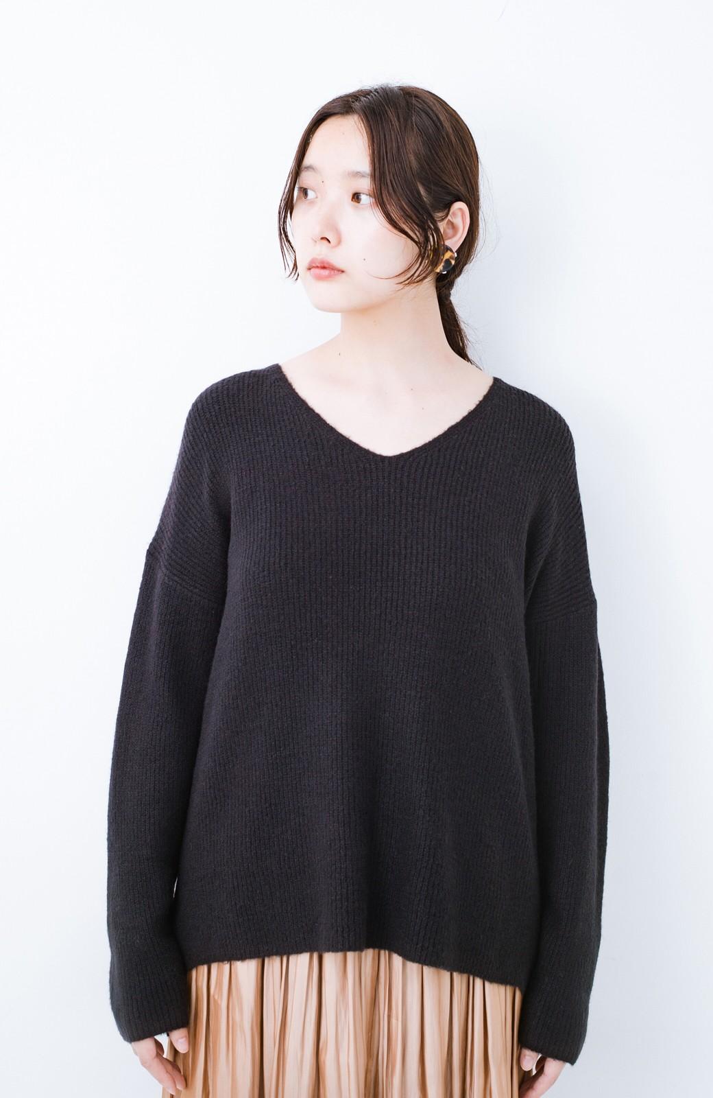 haco!  パッと着てさりげなく女っぽい 便利なシンプルVネックニット <ブラック>の商品写真10