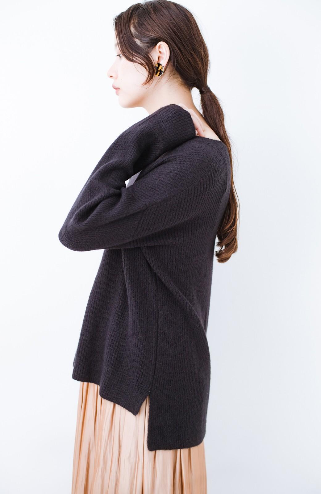 haco!  パッと着てさりげなく女っぽい 便利なシンプルVネックニット <ブラック>の商品写真3