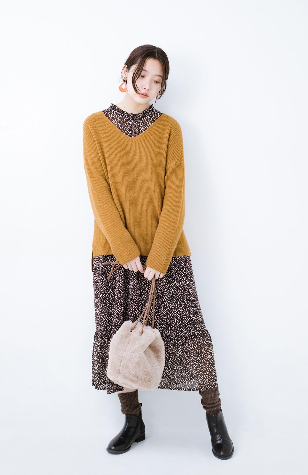 haco!  パッと着てさりげなく女っぽい 便利なシンプルVネックニット <キャメル>の商品写真10