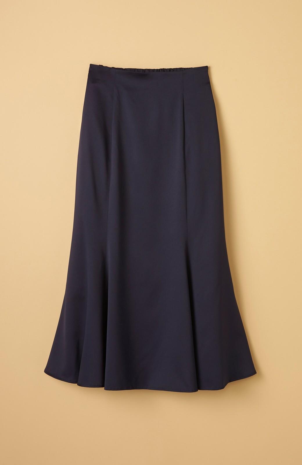haco! スウェットやスニーカーを合わせても女っぽくいられるサテンマーメイドスカート by que made me <ネイビー>の商品写真15