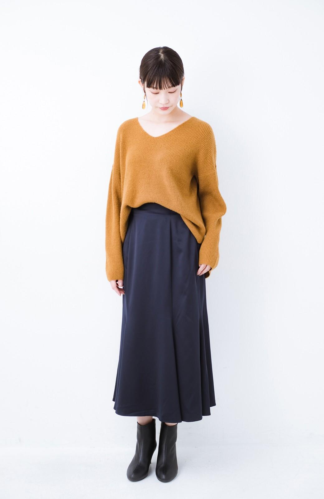 haco! スウェットやスニーカーを合わせても女っぽくいられるサテンマーメイドスカート by que made me <ネイビー>の商品写真9