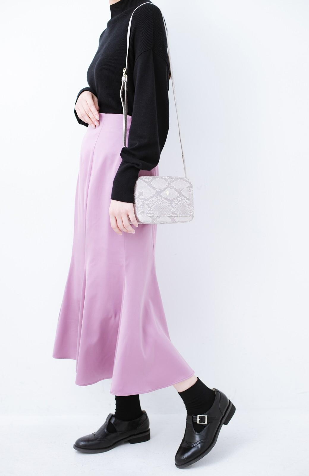 haco! スウェットやスニーカーを合わせても女っぽくいられるサテンマーメイドスカート by que made me <ピンク>の商品写真3