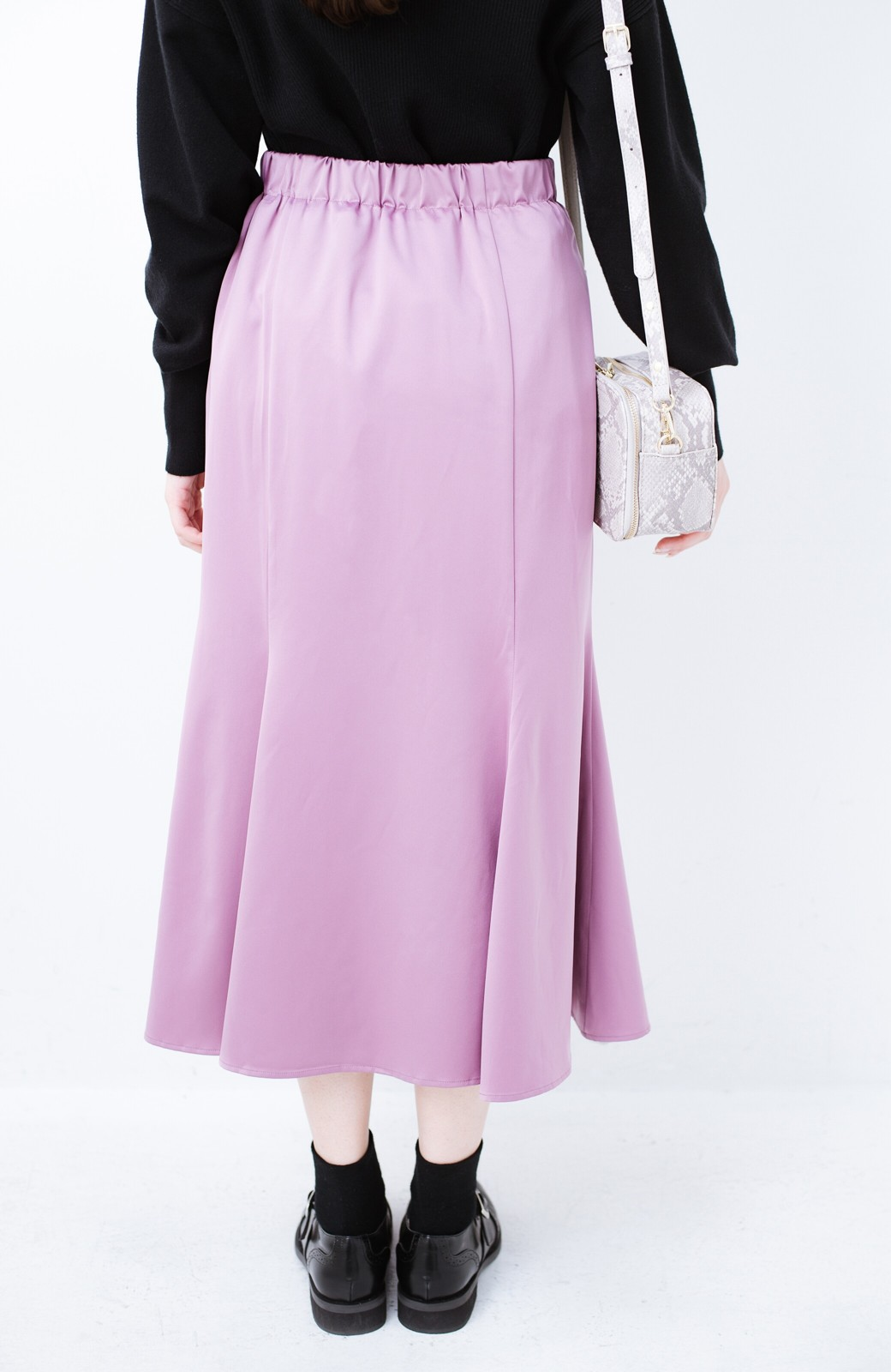haco! スウェットやスニーカーを合わせても女っぽくいられるサテンマーメイドスカート by que made me <ピンク>の商品写真7