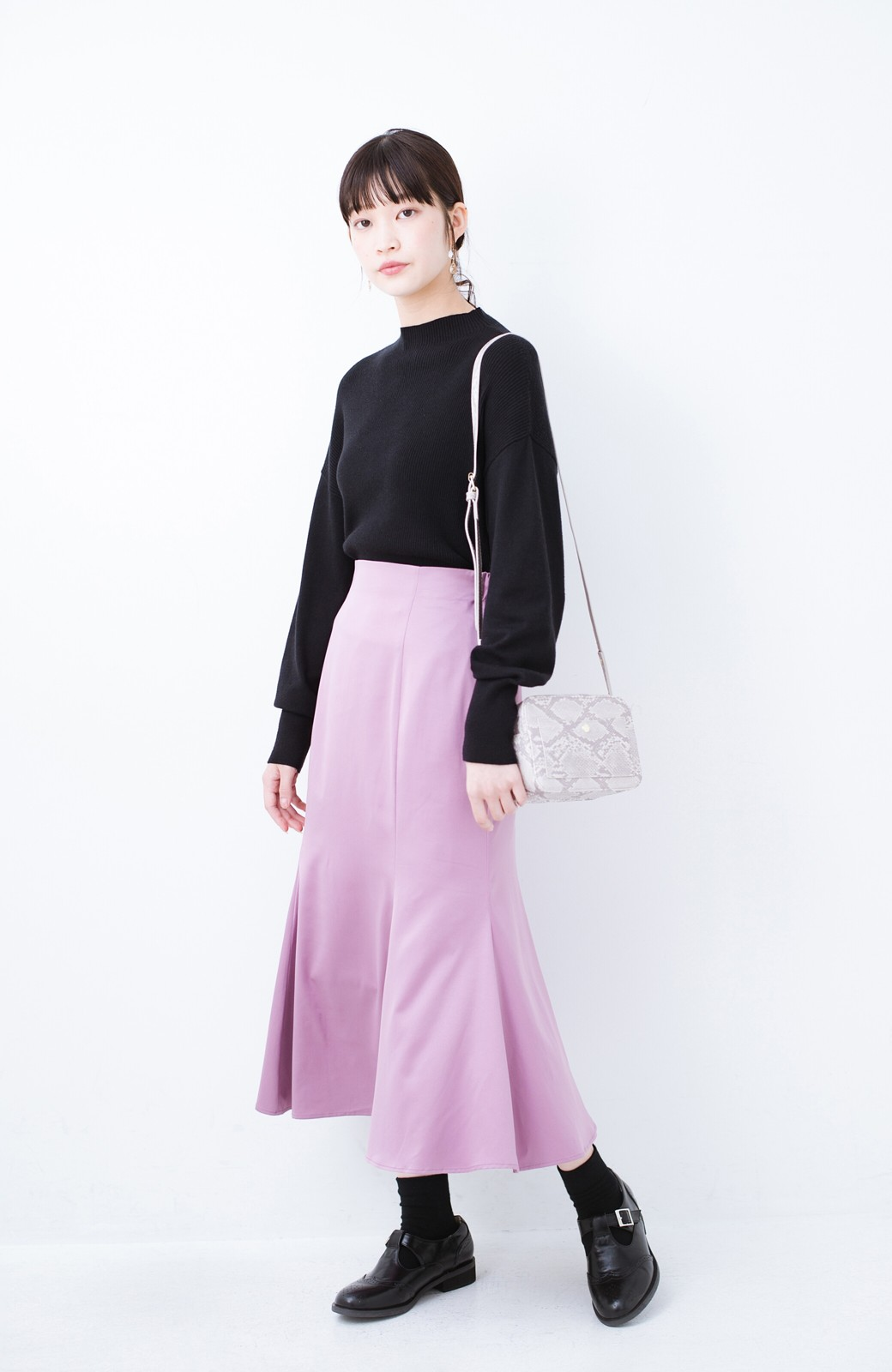 haco! スウェットやスニーカーを合わせても女っぽくいられるサテンマーメイドスカート by que made me <ピンク>の商品写真10