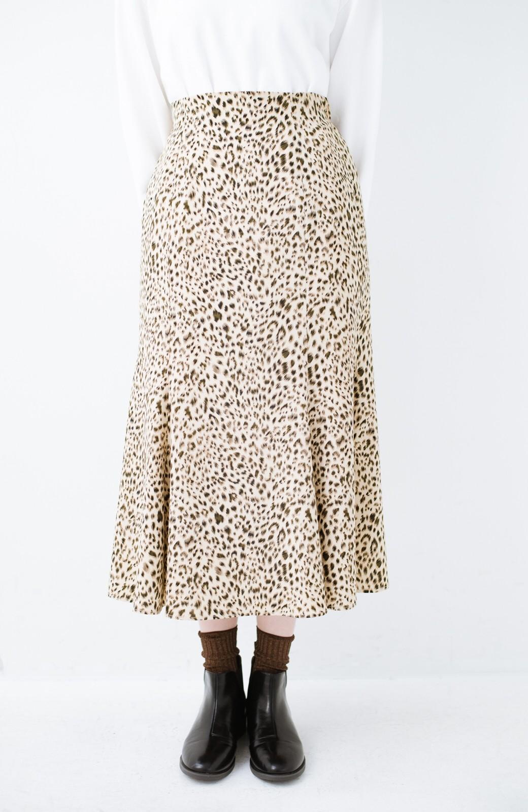 haco! スウェットやスニーカーを合わせても女っぽくいられるサテンマーメイドスカート by que made me <レオパード>の商品写真13