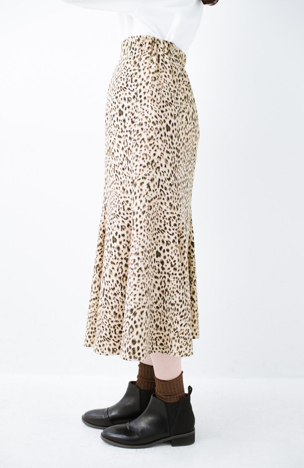 haco! スウェットやスニーカーを合わせても女っぽくいられるサテンマーメイドスカート by que made me <レオパード>の商品写真14