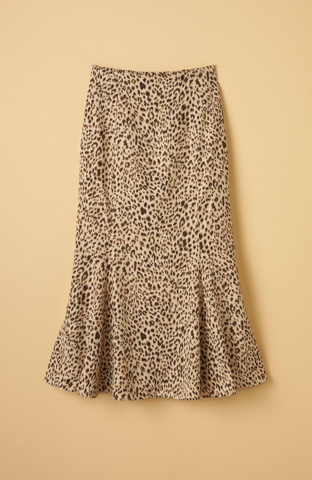haco! スウェットやスニーカーを合わせても女っぽくいられるサテンマーメイドスカート by que made me <レオパード>の商品写真17