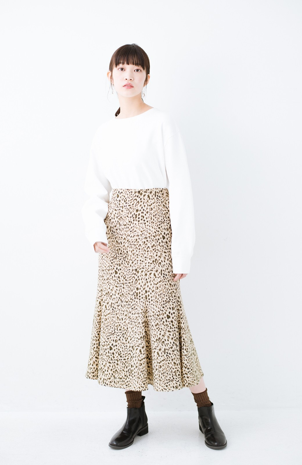 haco! スウェットやスニーカーを合わせても女っぽくいられるサテンマーメイドスカート by que made me <レオパード>の商品写真10